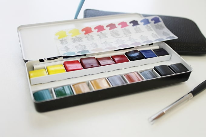 Introducing: Our Professional Watercolour Paint Travel Set