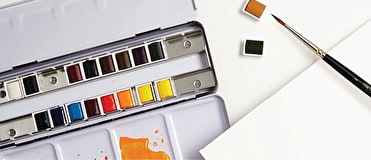 Our Watercolour Painting sets include all the essential colours to give you the best variety when painting.
