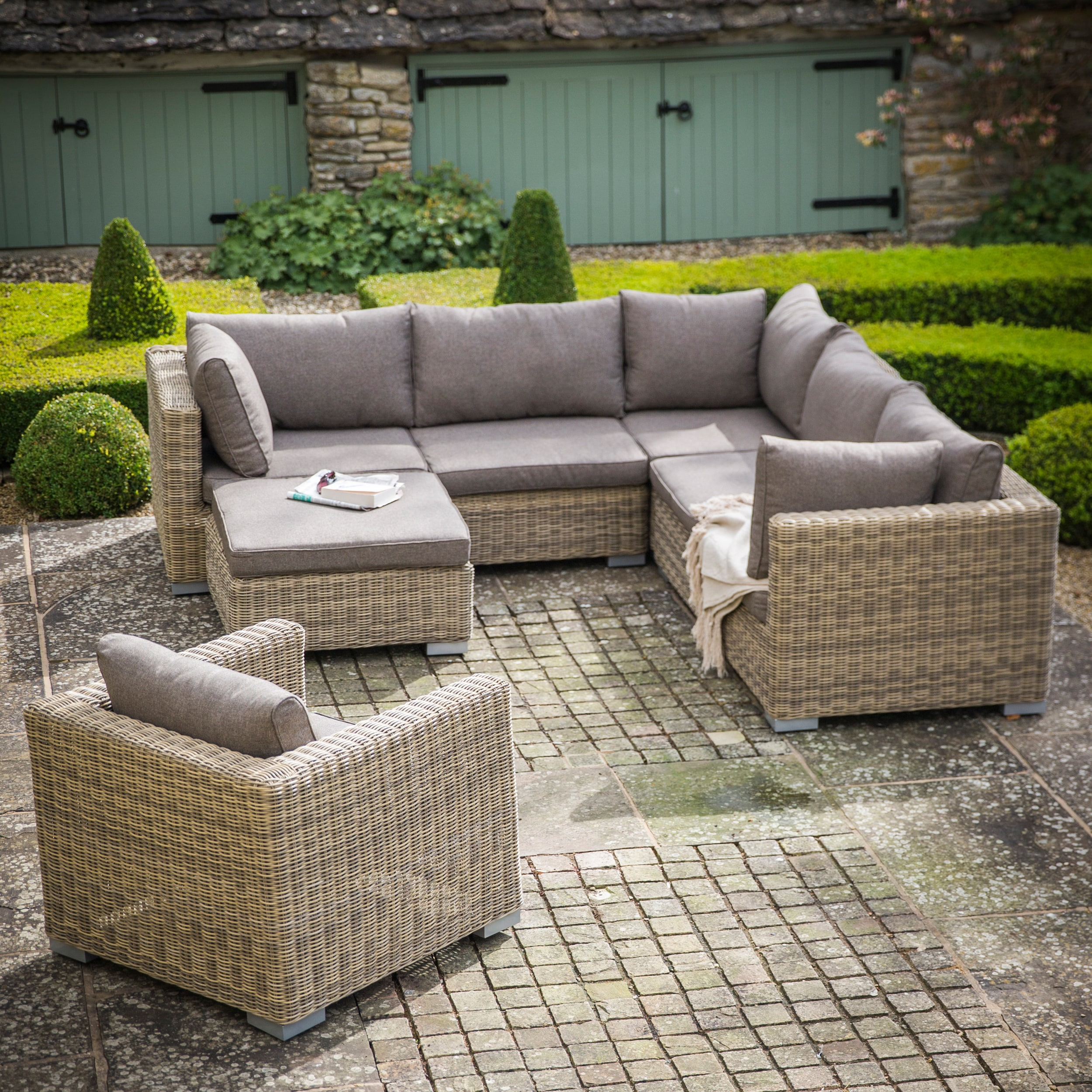 All-weather Rattan Marden Outdoor Corner Sofa Set | Garden Trading