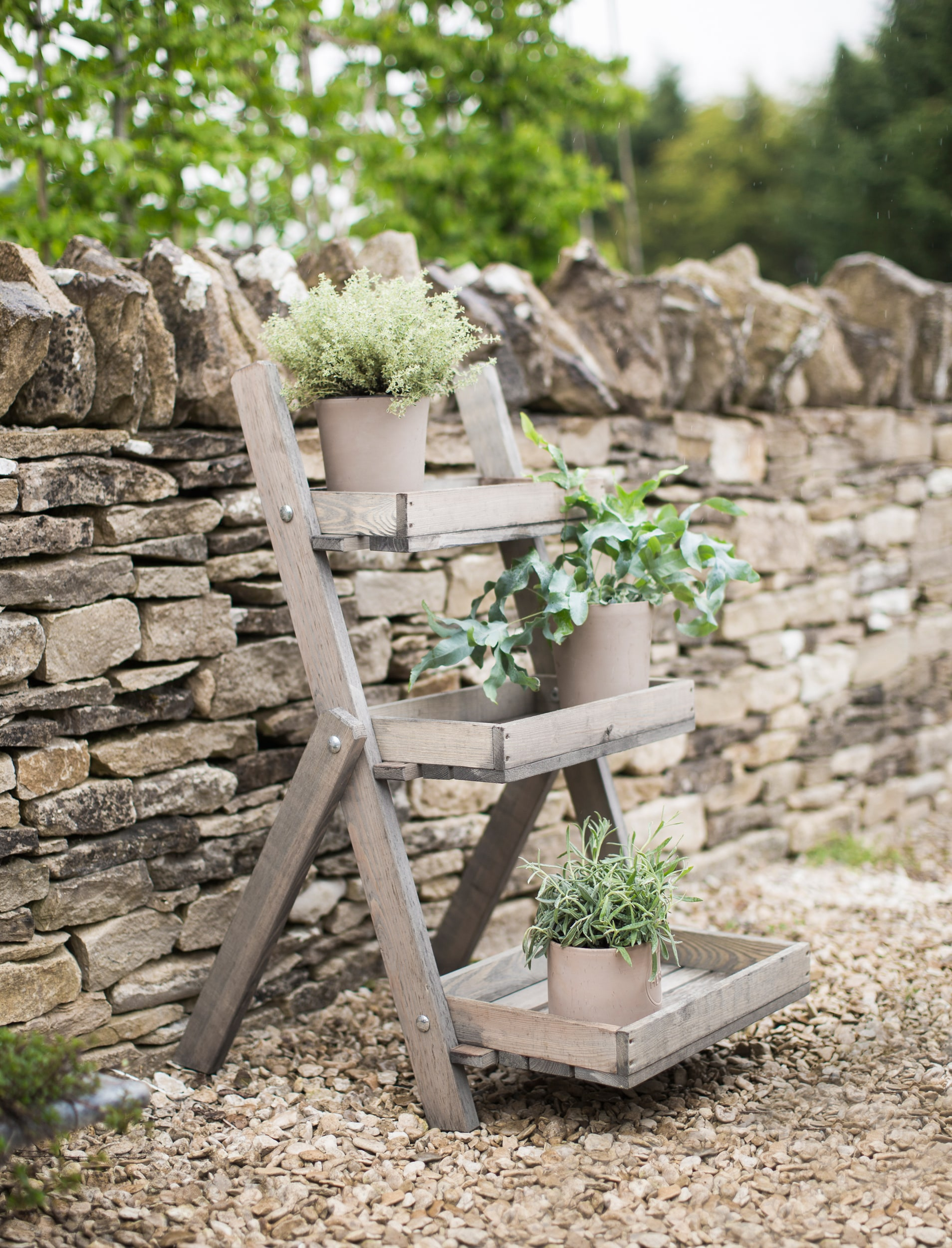 Wooden Aldsworth Pot Ladder | Garden Trading