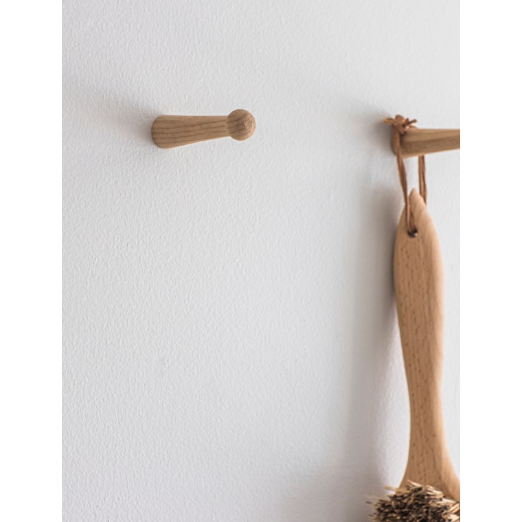 Oak Set of 2 Hambledon Pegs | Garden Trading