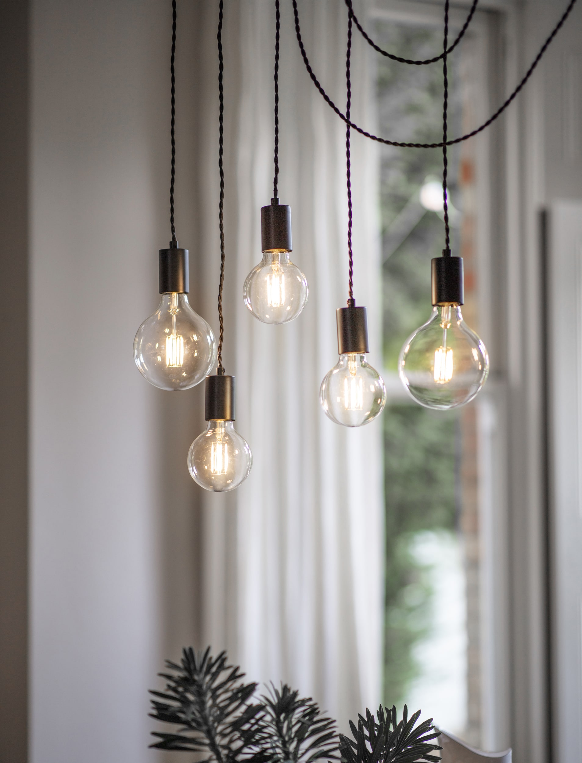 Soho 5 Light Pendant in Black - Steel | Garden Trading