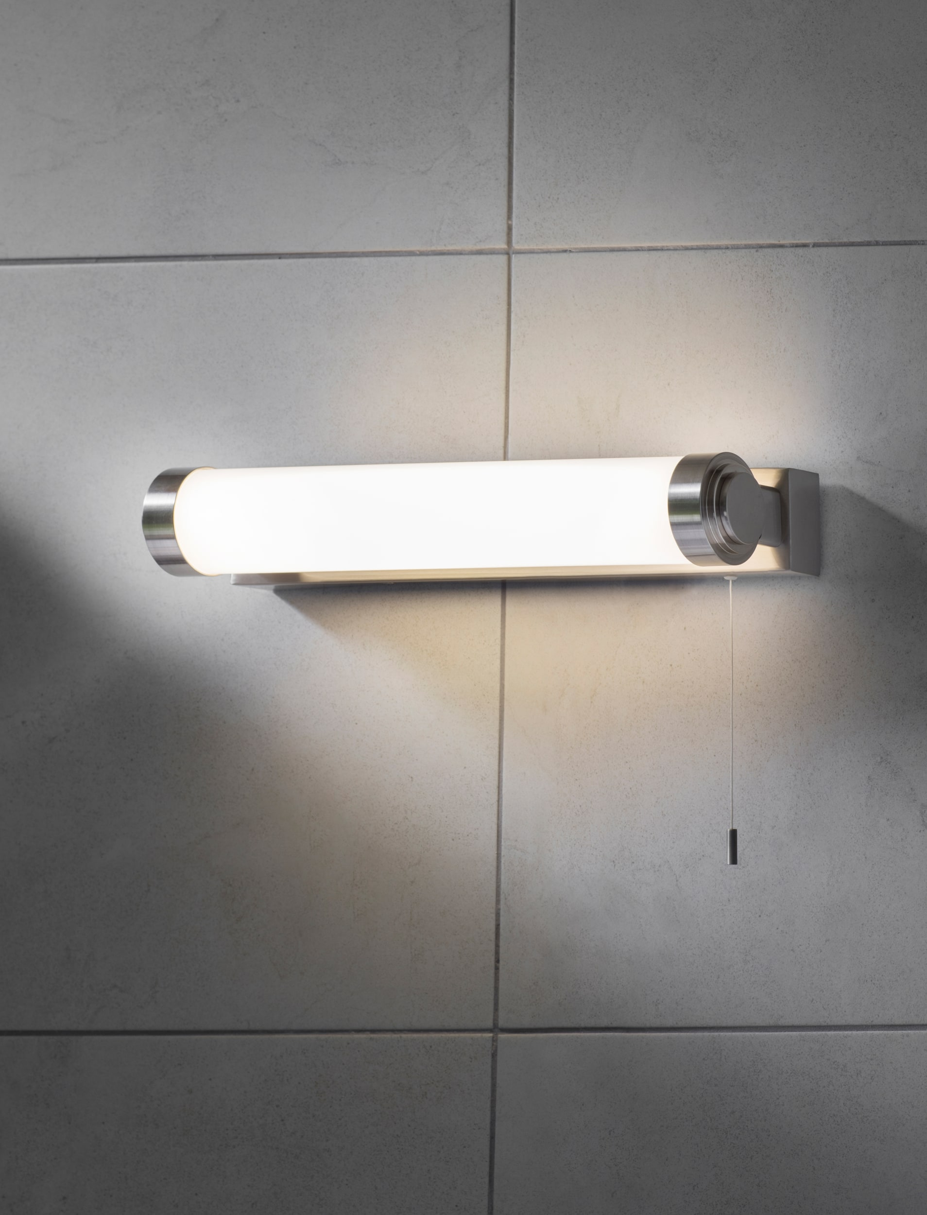 Fulham Over Mirror Bathroom Light in Silver  | Garden Trading