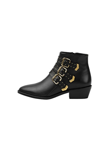 Derby Buckle Boots