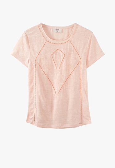 Linen round neck tee with a cut out and embroidered pattern in blush