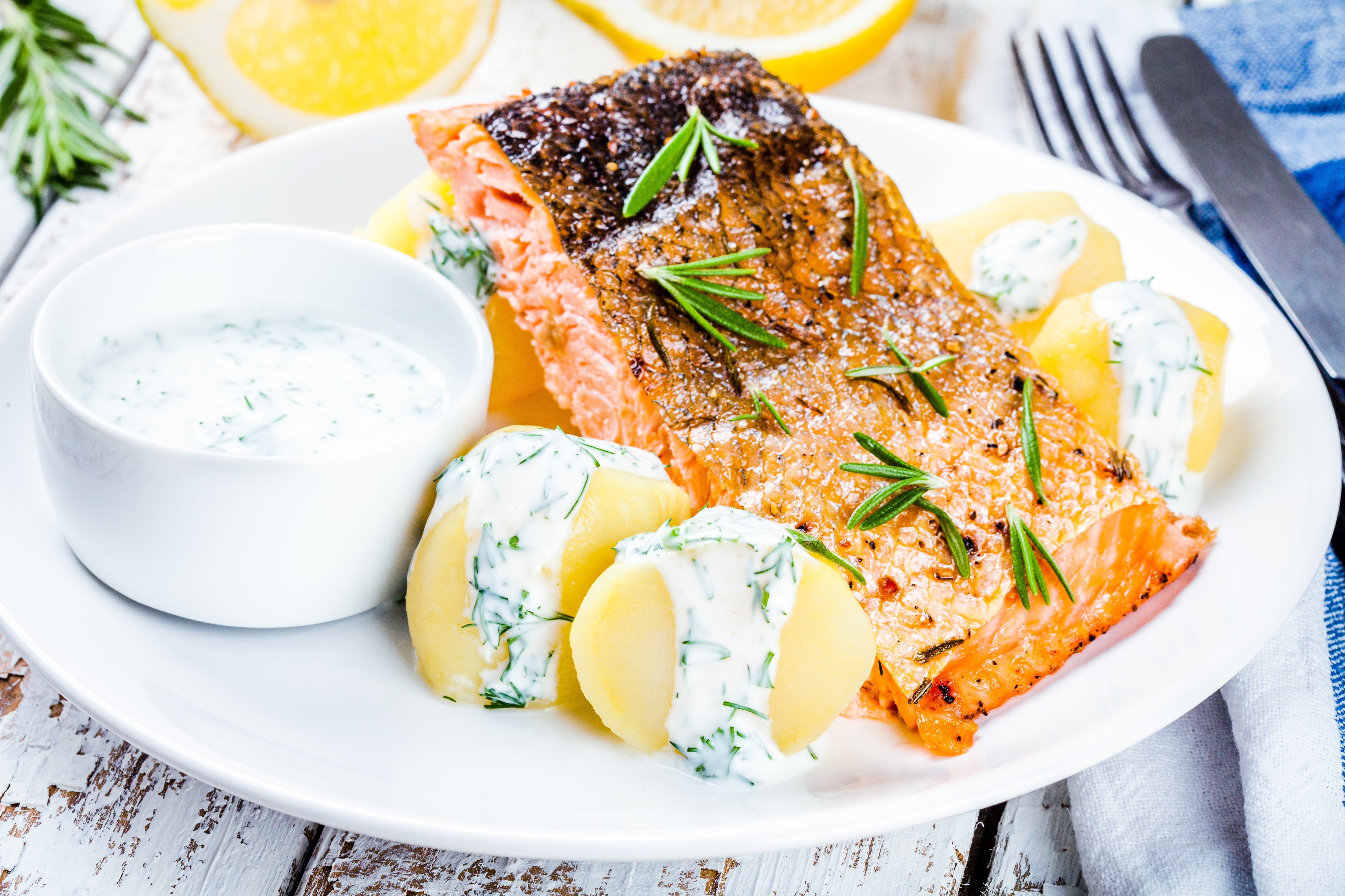 Griddled Salmon with Dill Sauce