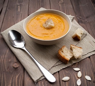 Simple Creamy Pumpkin and Bacon Soup
