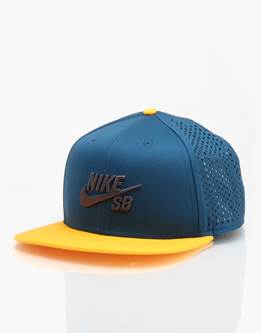 46960c0c38f Nike SB Performance Trucker Cap - Blue Force Black University Gold ...