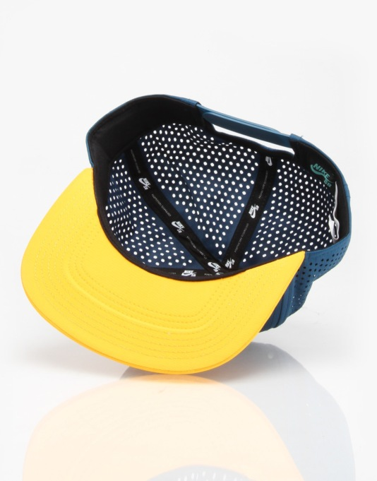 Nike SB Performance Trucker Cap - Blue Force/Black/University Gold