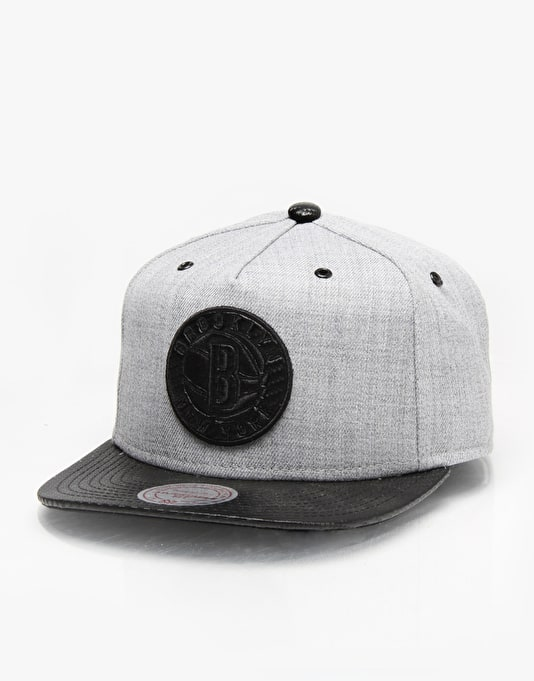 Mitchell & Ness QS NBA Brooklyn Nets Elite Snapback Cap - Grey/Black