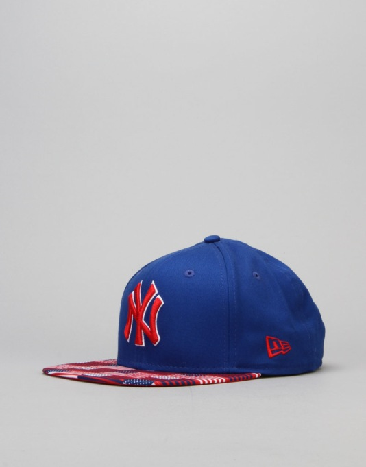 New Era MLB New York Yankees Digi Flag Snapback Cap - Royal Blue