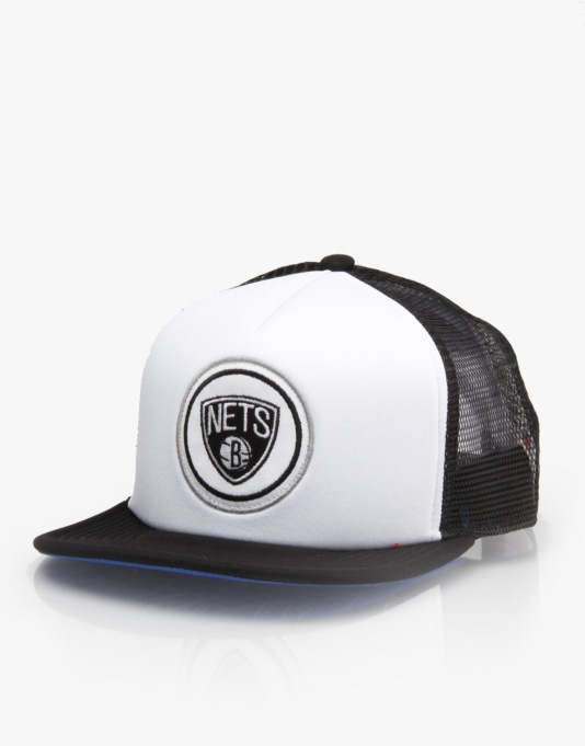 Mitchell & Ness NBA Brooklyn Nets Foam Front Snapback Cap - White/Blk