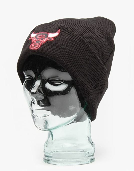 Mitchell & Ness NBA Chicago Bulls Logo Cuff Knit Cuff Beanie - Black