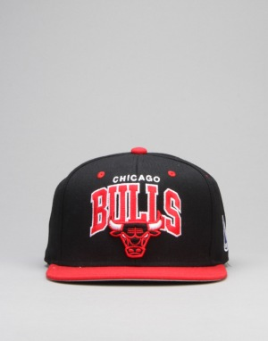 Mitchell & Ness NBA Chicago Bulls Team Arch Snapback Cap - Black/Red