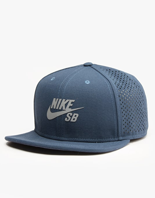 Nike SB Performance Trucker Cap - Squadron Blue/Black/Silver