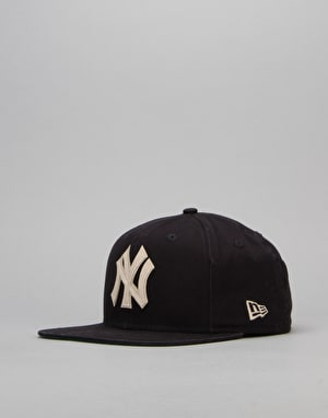 New Era MLB New York Yankees Vintage Wash Snapback Cap - Navy/Optic