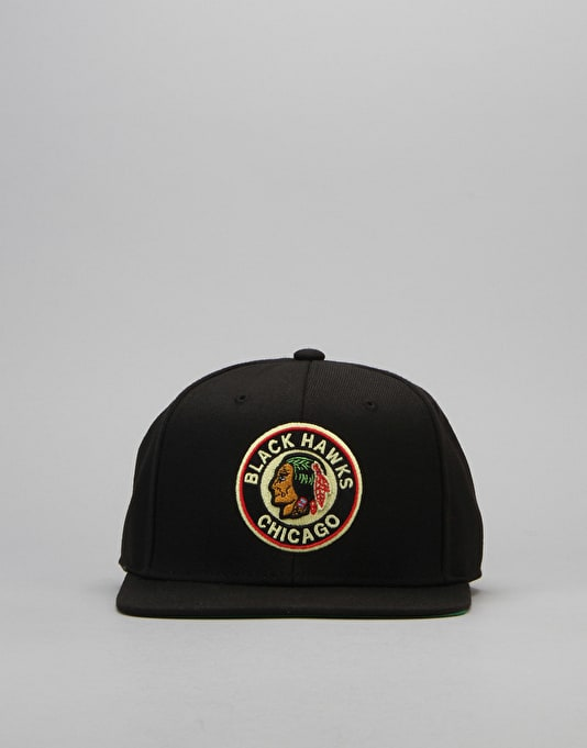 Mitchell & Ness NHL Chicago Blackhawks Wool Solid Snapback Cap - Black