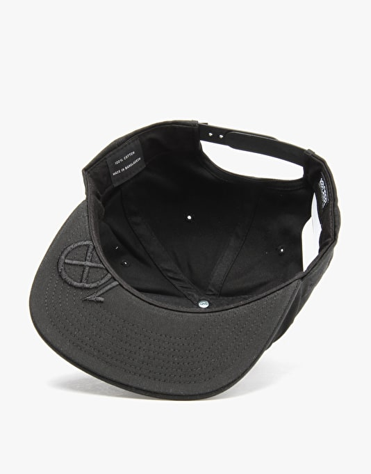 10Deep Ex'ed Out Snapback Cap - Black
