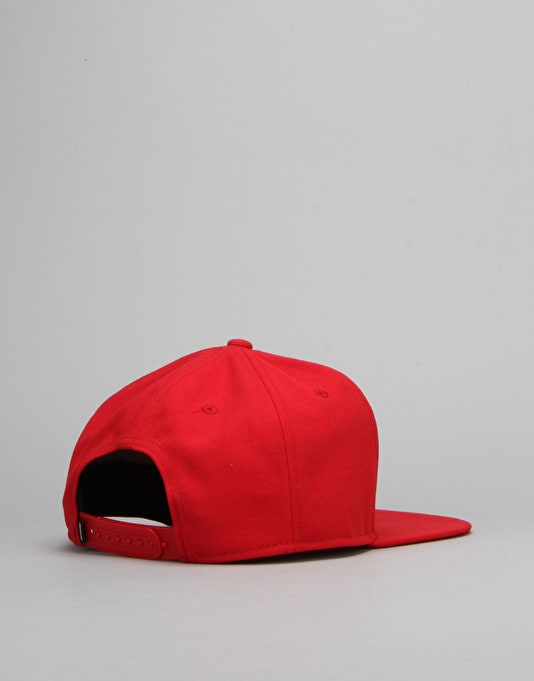 Nike SB Icon Snapback Cap - Gym Red/Gym Red/Black/White