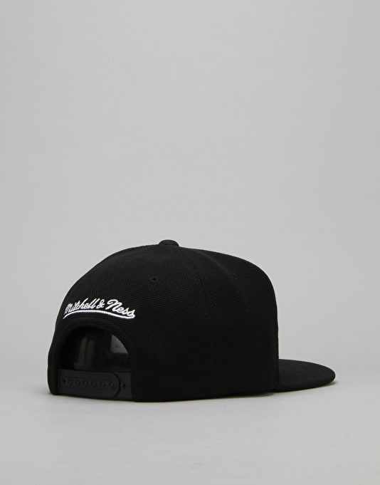 Mitchell & Ness NHL Boston Bruins SS Snapback Cap - Black