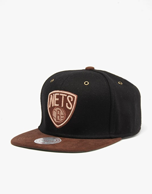 Mitchell & Ness NBA Brooklyn Nets Winter Suede Snapback Cap - Black