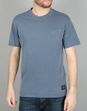 Levi's Skateboarding Pocket T-Shirt - Dress Blue