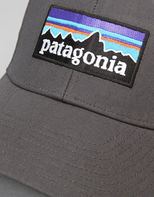Patagonia P-6 Logo Stretch Fit Cap - Forge Grey