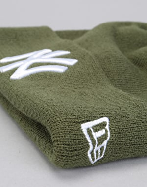 New Era MLB New York Yankees Essential Cuff Beanie - Ridge Green