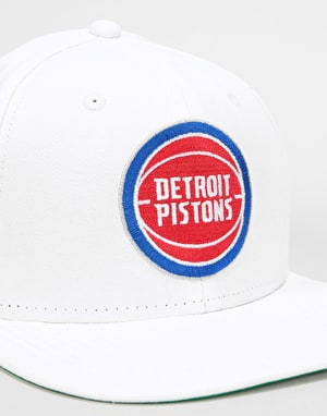 New Era 9Fifty NBA Detroit Pistons Classic Snapback Cap - White