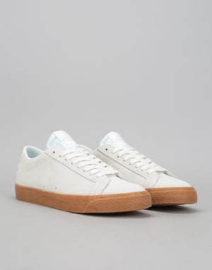Nike SB Zoom Blazer Low Skate Shoes - Summit White/Gum Med Brown