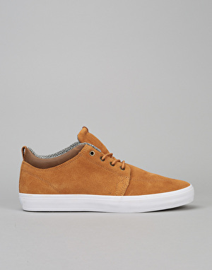 Globe GS Chukka Skate Shoes - Dark Caramel/White