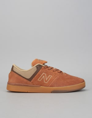 New Balance Numeric 533 V2 Skate Shoes - Brown/Gum