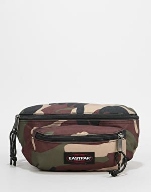 Eastpak Doggy Cross Body Bag - Camo