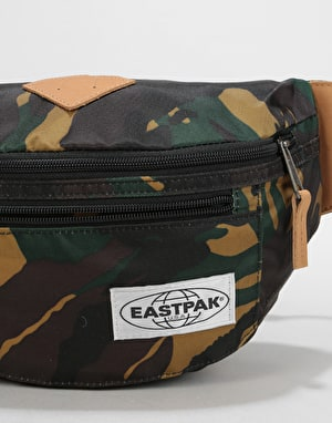 Eastpak Bundel Cross Body Bag - Into Camo