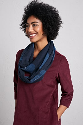 Wool and Silk Pretty Circle Ladies Scarf - Seasalt