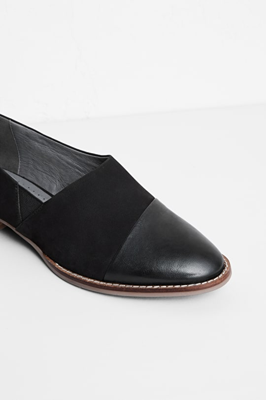 Bright Bay Shoe, Soft Nubuck and Leather Shoe