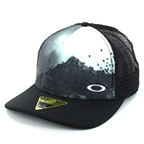 Oakley Talkeetna Trucker Cap