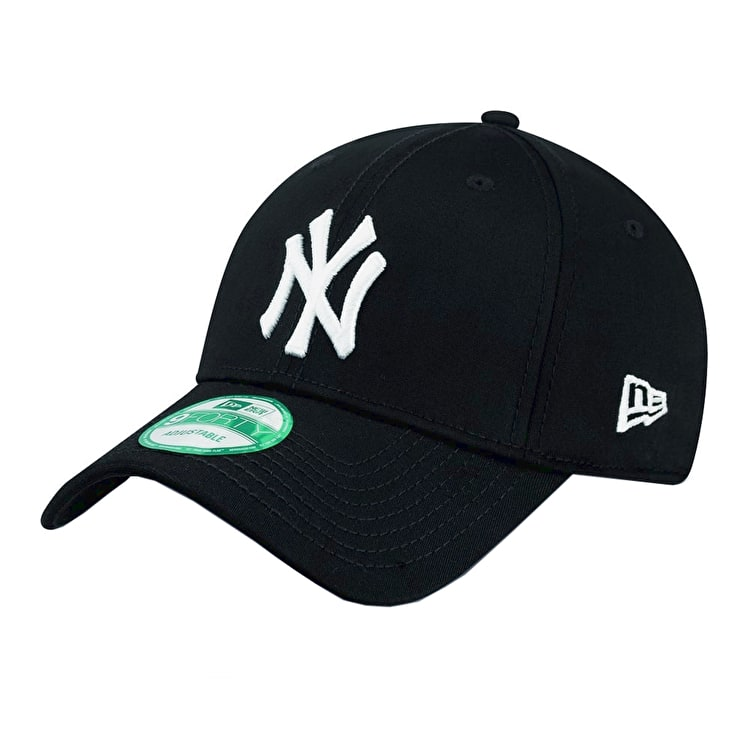 New Era MLB Essential New York Yankees Cap - Black/White