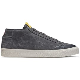 Nike SB Zoom Blazer Chukka XT Skate Shoes - Anthracite/Anthracite/Fir