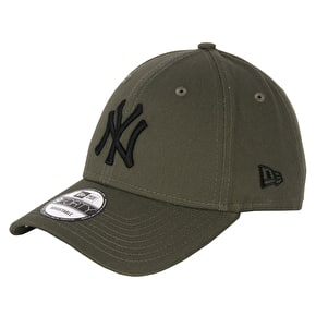 New Era MLB League Essentials Cap - Yankees - New Olive/Black